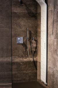 El secador corporal más eficiente del mercado ideal para baños de diseño.